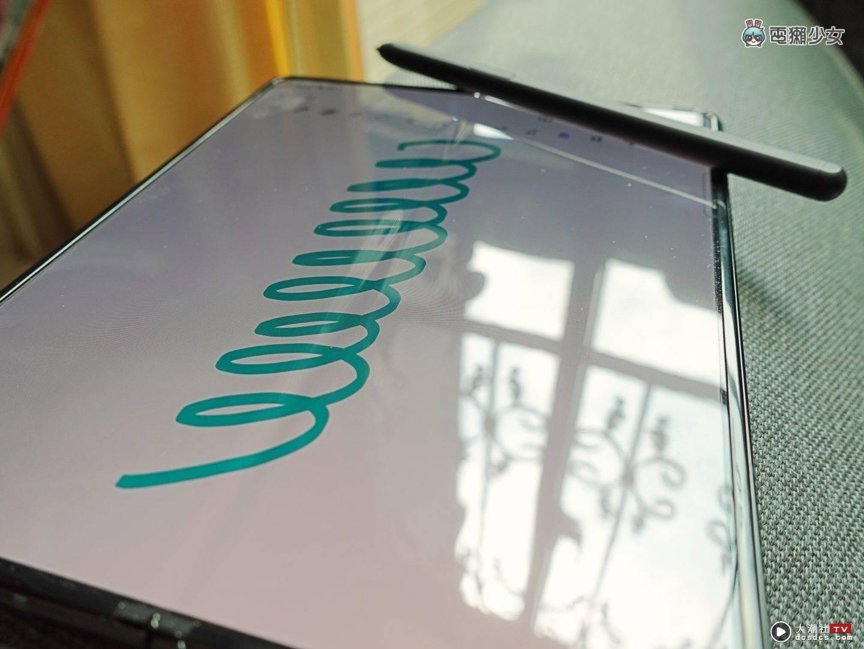 三星双折叠机 Galaxy Z Flip3 5G 和 Galaxy Z Fold3 5G 开箱体验,加入防水、S Pen手写功能更齐全,价格也更亲民