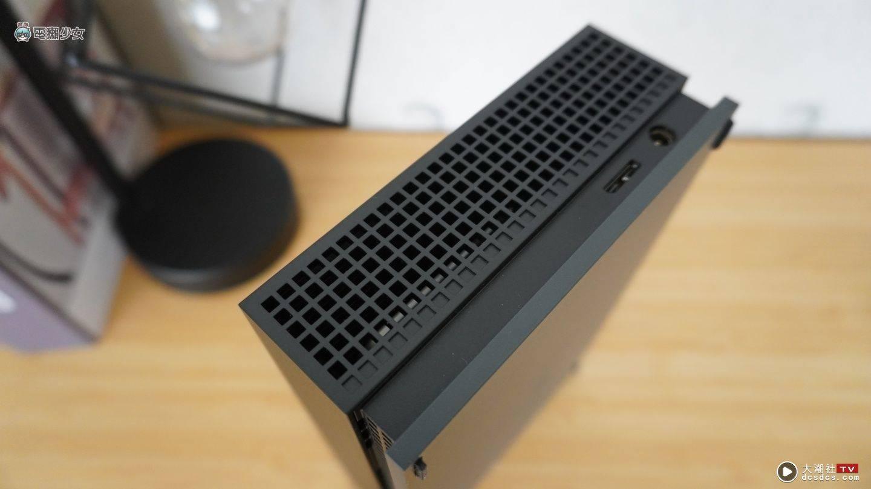 开箱|我的外接硬碟超炫!Seagate FireCuda Gaming Hub 大容量 还有超帅电竞灯效